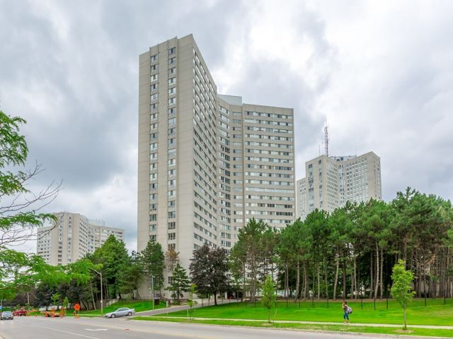 Sold: 2002 - 3700 Kaneff Crescent, Mississauga, ON