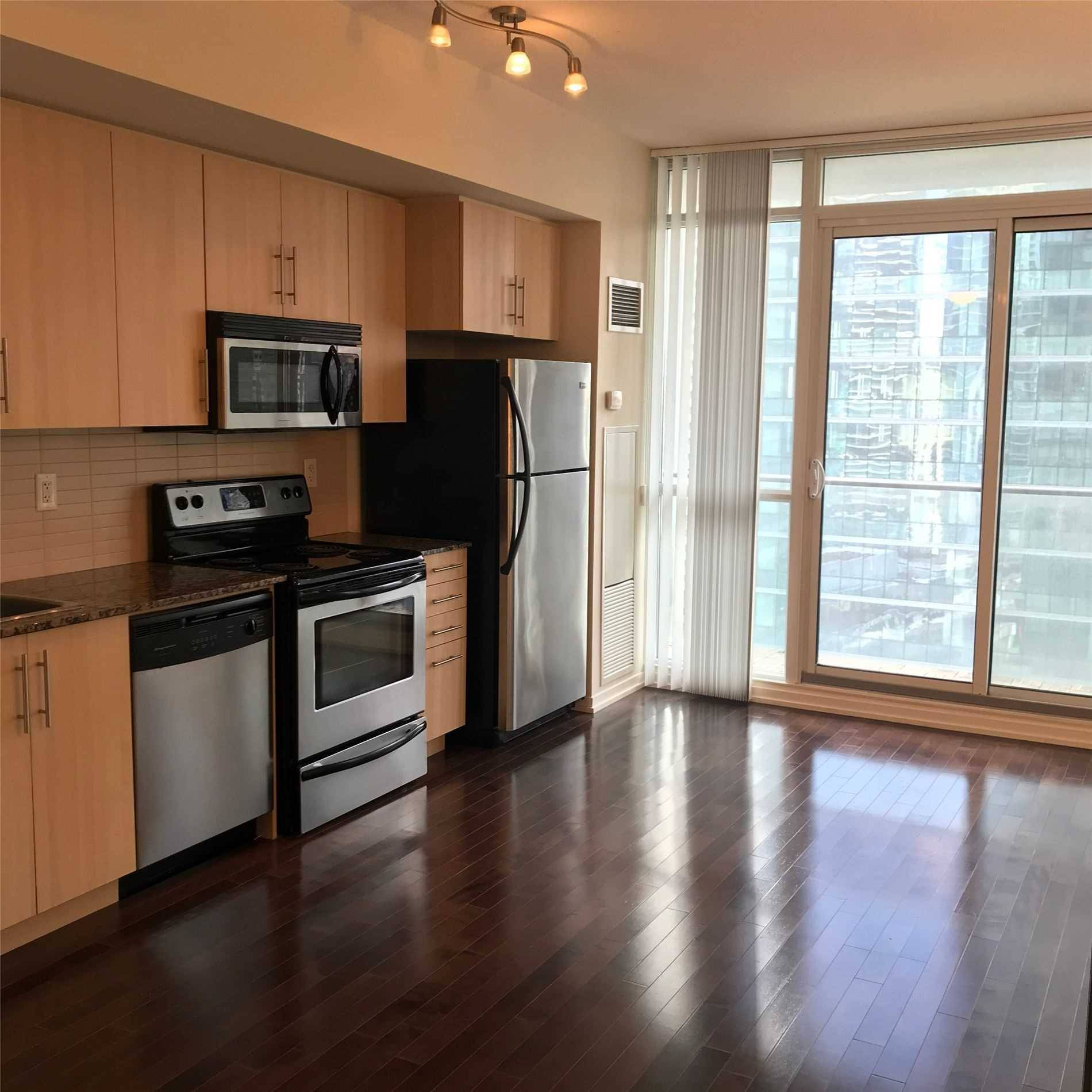 Apartment for rent at 65 Bremner Blvd Unit 2004 Toronto Ontario - MLS: C4698779