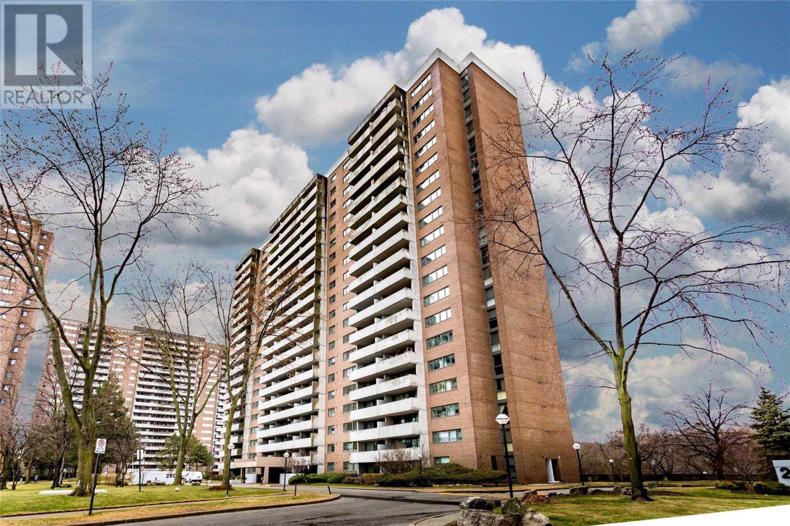 Condo for sale at 260 Scarlett Rd Unit 2005 Toronto Ontario - MLS: W4733604