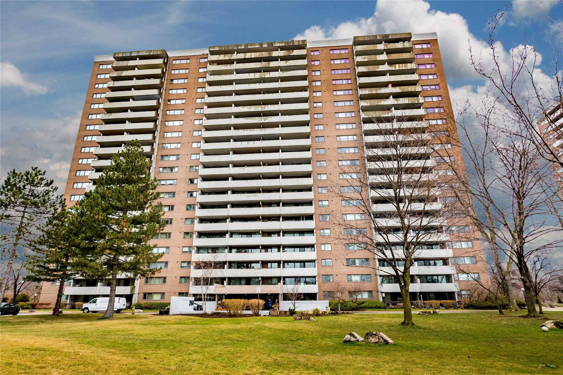 Buliding: 260 Scarlett Road, Toronto, ON