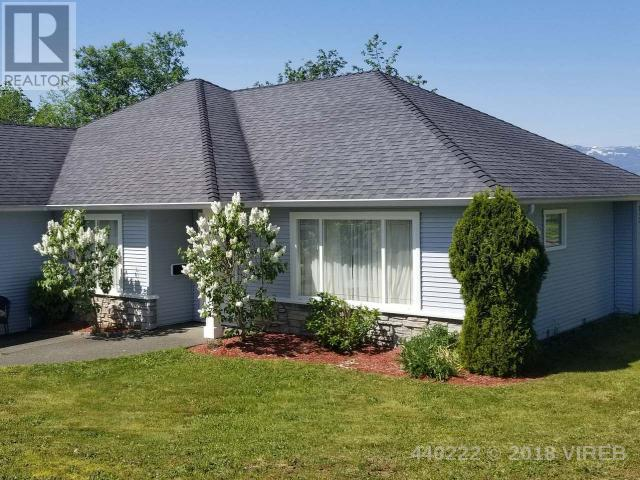For Sale: 2005 St Andrews Way, Courtenay, BC | 3 Bed, 2 Bath House for $495,000. See 16 photos!