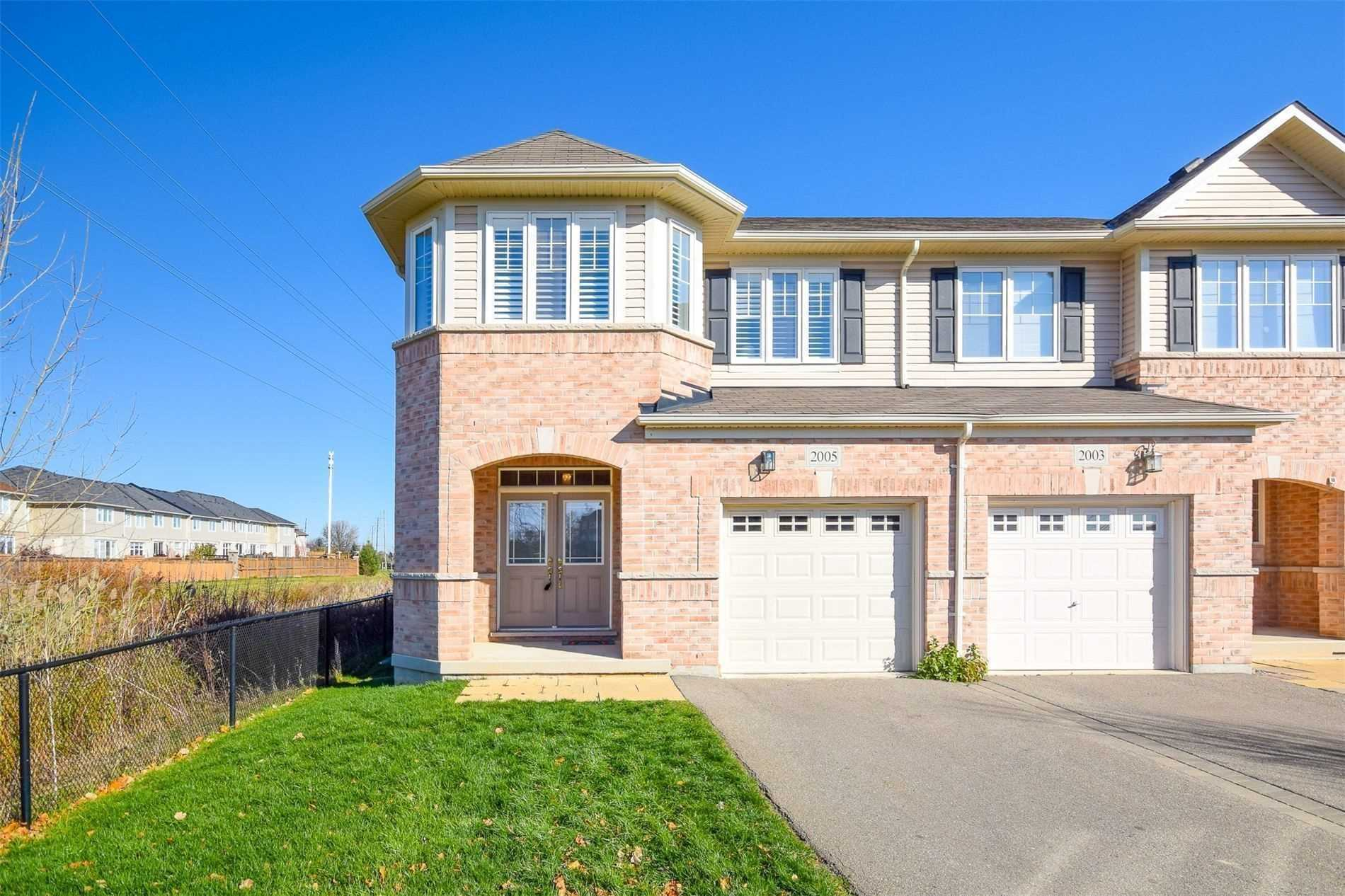 For Sale: 2005 Trawden Way, Oakville, ON | 3 Bed, 4 Bath Townhouse for $1068000.00. See 35 photos!
