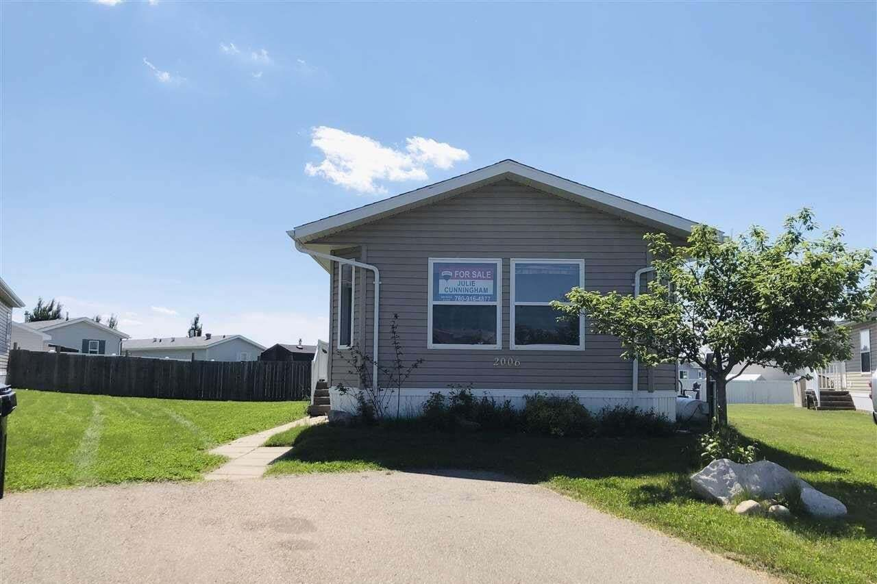 Home for sale at 2006 Jubilee Rd Sherwood Park Alberta - MLS: E4202899