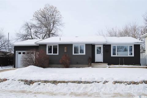 House for sale at 2007 Mayfair By Estevan Saskatchewan - MLS: SK799027