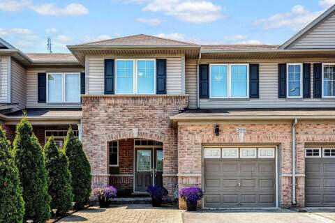 Townhouse for sale at 2008 Colonel William Pkwy Oakville Ontario - MLS: W4806943