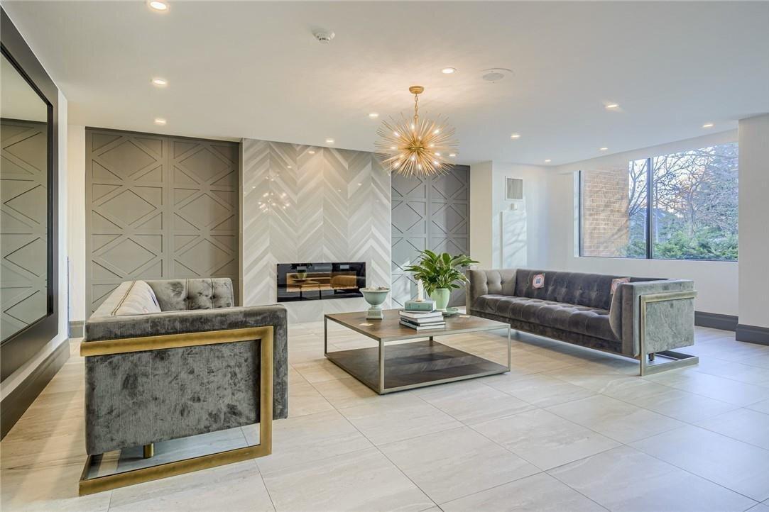 Apartment for rent at 1270 Maple Crossing Blvd Unit 2009 Burlington Ontario - MLS: H4093088
