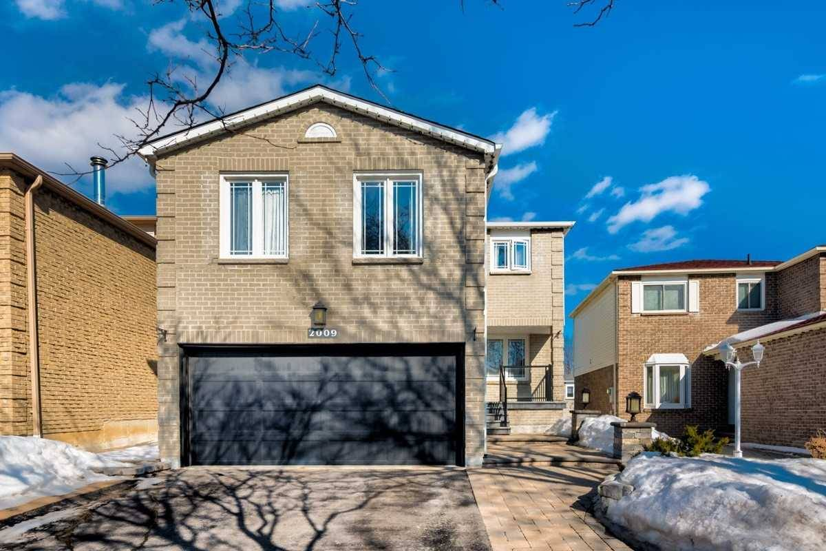 House for sale at 2009 Shay Dr Pickering Ontario - MLS: E4419126