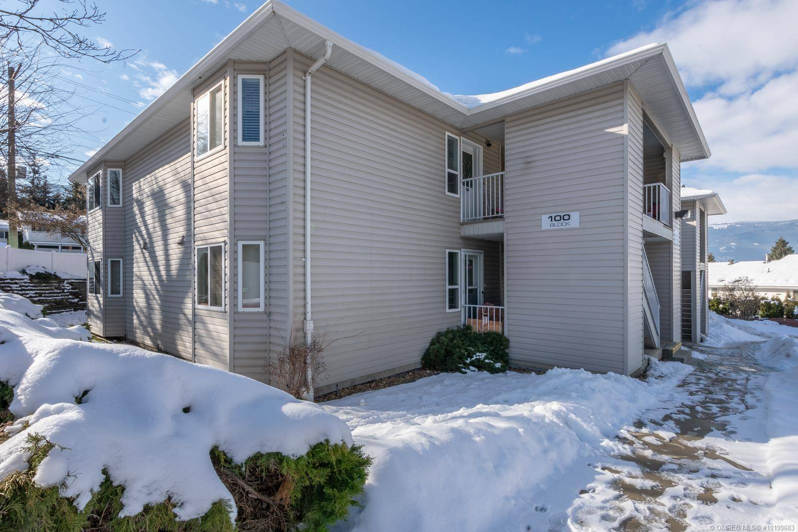 Townhouse for sale at 101 20th St Northeast Unit 201 Salmon Arm British Columbia - MLS: 10199683