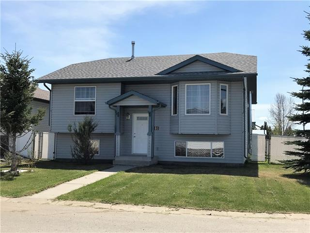 Sold: 201 11 Avenue Northeast, Sundre, AB