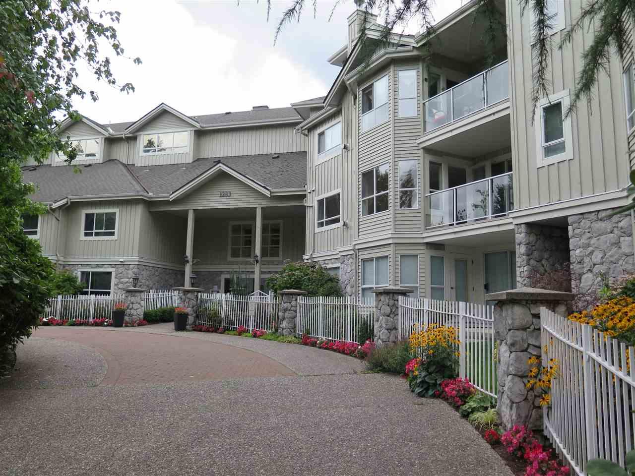 Buliding: 1283 Parkgate Avenue, North Vancouver, BC