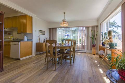 Condo for sale at 15070 Prospect Ave Unit 201 White Rock British Columbia - MLS: R2379292