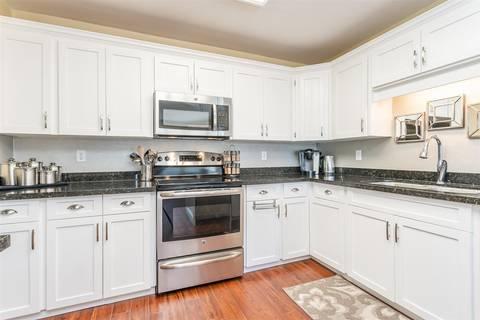 Condo for sale at 2450 Church St Unit 201 Abbotsford British Columbia - MLS: R2377386