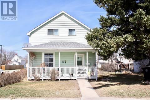 House for sale at 201 2nd Ave E Biggar Saskatchewan - MLS: SK770370