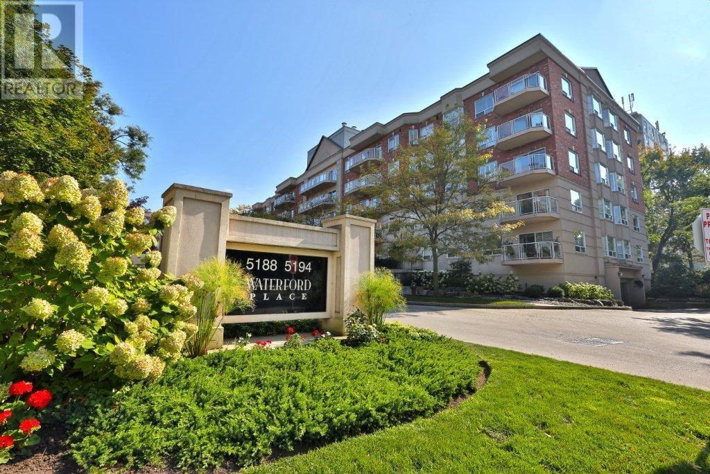 Buliding: 5194 Lakeshore Road, Burlington, ON