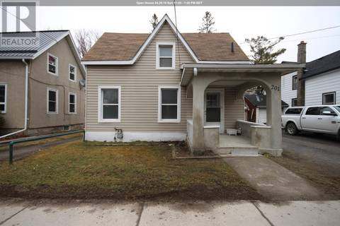 House for sale at 201 Centre St North Napanee Ontario - MLS: K19002025
