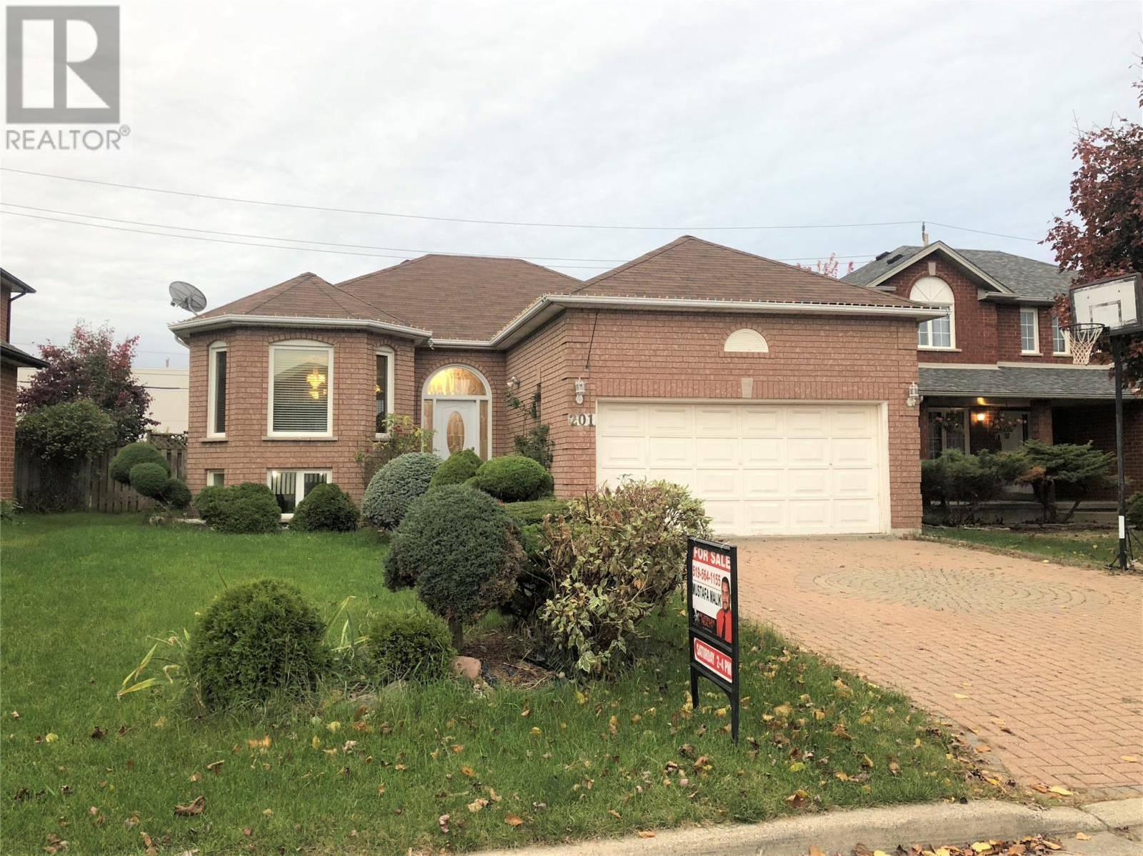 House for sale at 201 Eveleigh Cres Windsor Ontario - MLS: 19028635