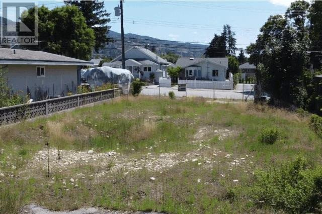 Home for sale at 201 Penticton Ave Penticton British Columbia - MLS: 184729