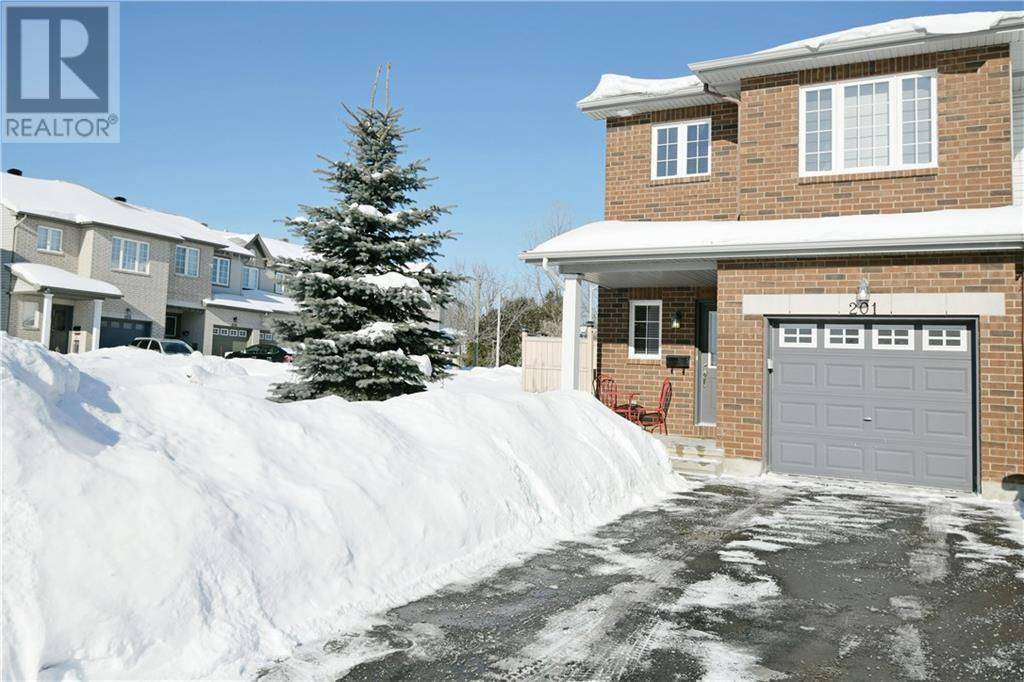 Townhouse for sale at 201 Rolling Meadow Cres Ottawa Ontario - MLS: 1183222