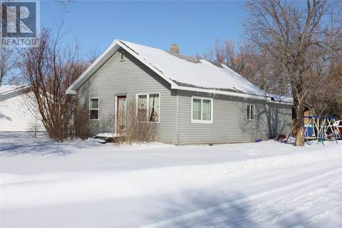 House for sale at 201 Roslyn Ave Canora Saskatchewan - MLS: SK801314