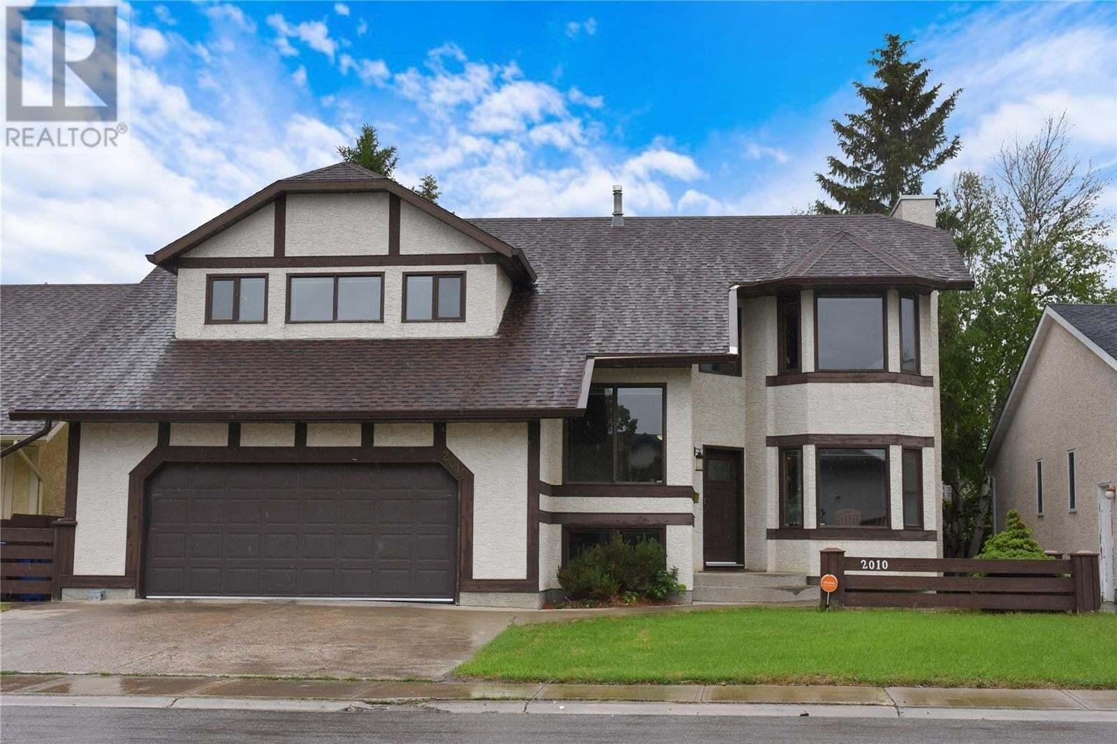 House for sale at 2010 Assiniboine Ave E Regina Saskatchewan - MLS: SK813817