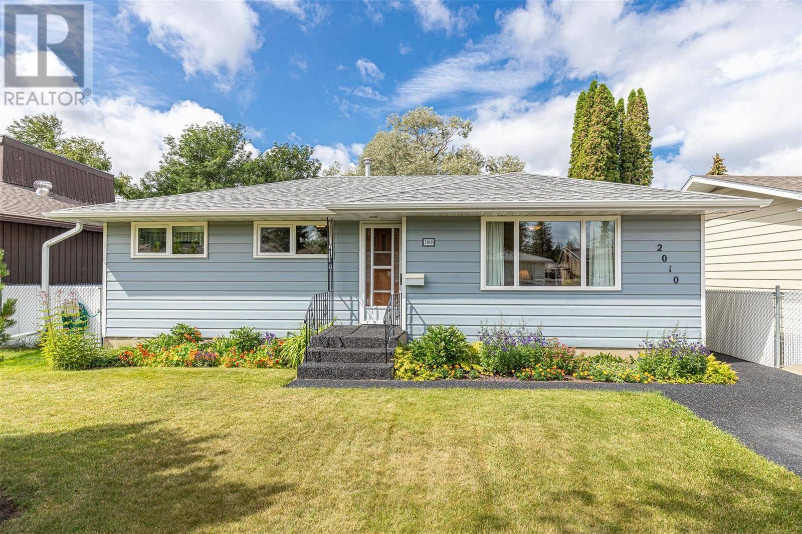 House for sale at 2010 Morgan Ave Saskatoon Saskatchewan - MLS: SK784088