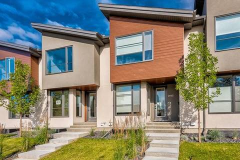 Townhouse for sale at 2012 26 Ave Northwest Calgary Alberta - MLS: C4245505