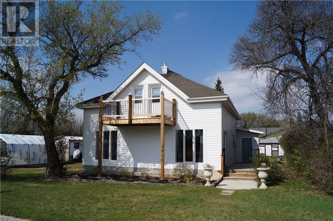 House for sale at 2012 9th St Rosthern Saskatchewan - MLS: SK758188