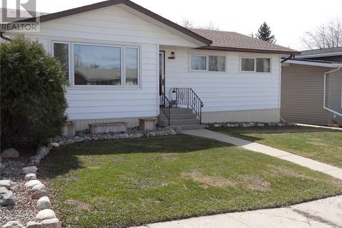 House for sale at 2013 7th St Rosthern Saskatchewan - MLS: SK768660