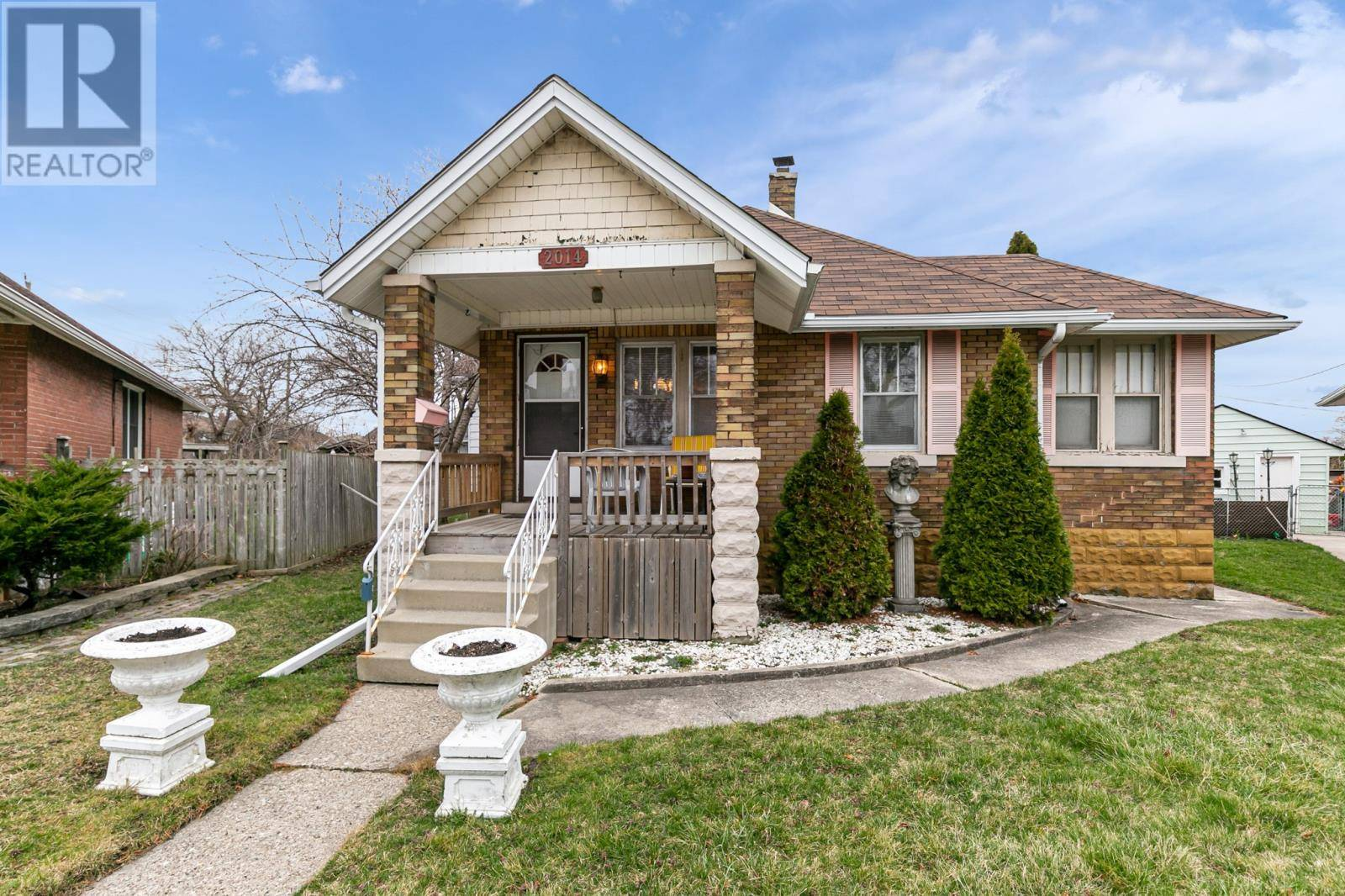 House for sale at 2014 Argyle Ct Windsor Ontario - MLS: 20003857