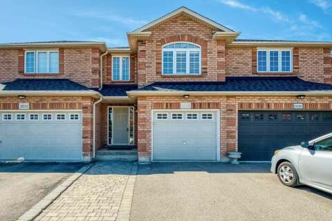 Townhouse for sale at 2014 Erika Ct Oakville Ontario - MLS: W4768445