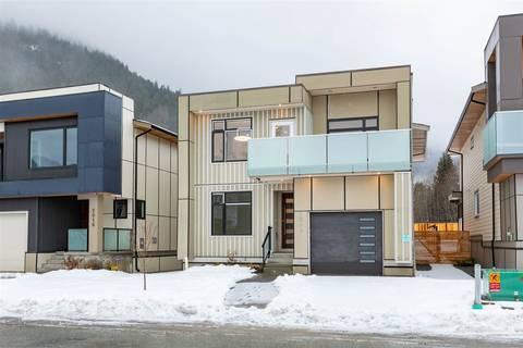 House for sale at 2014 Tiyata Blvd Pemberton British Columbia - MLS: R2429319