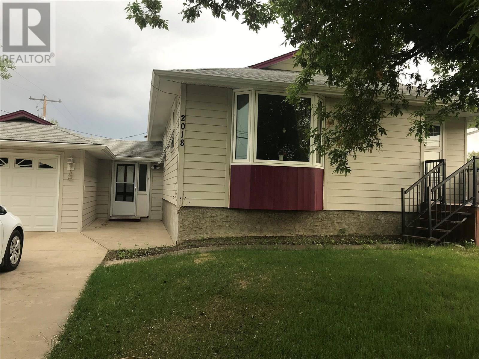 House for sale at 2018 7th St Rosthern Saskatchewan - MLS: SK770433