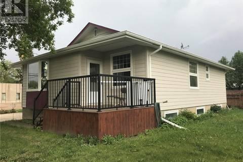 House for sale at 2018 7th St Rosthern Saskatchewan - MLS: SK806228