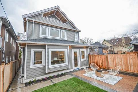 Townhouse for sale at 2018 Venables St Vancouver British Columbia - MLS: R2436525