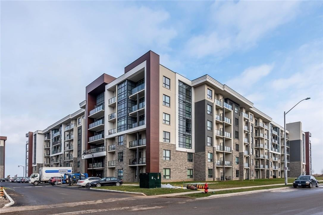 Condo for sale at 101 Shoreview Pl Unit 202 Stoney Creek Ontario - MLS: H4089388