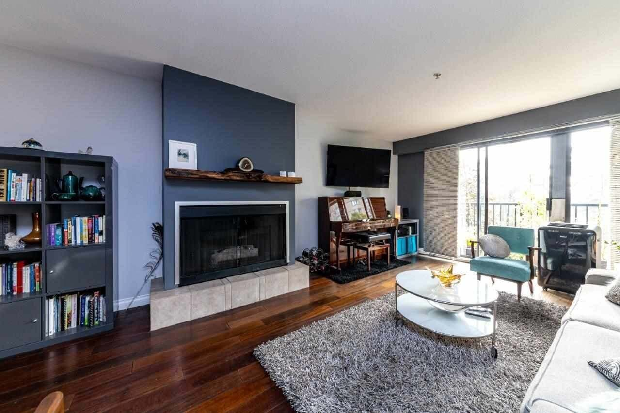 Buliding: 120 East 5th Street, North Vancouver, BC