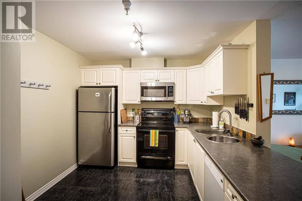 Condo for sale at 1371 Hillside Ave Unit 202 Victoria British Columbia - MLS: 420807