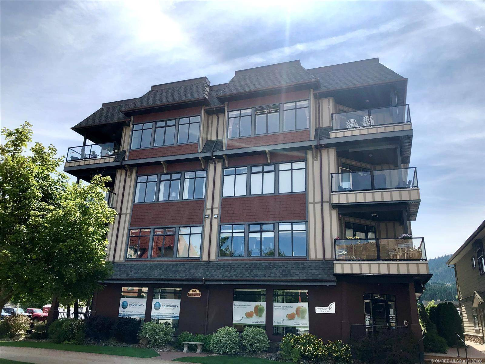Condo for sale at 160 Harbourfront Dr Northeast Unit 202 Salmon Arm British Columbia - MLS: 10187488