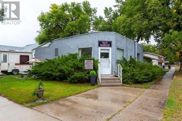 Commercial property for sale at 202 2 St Northwest Medicine Hat Alberta - MLS: mh0178094