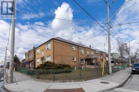 Townhouse for sale at 202 O'connor Dr Toronto Ontario - MLS: E4424142