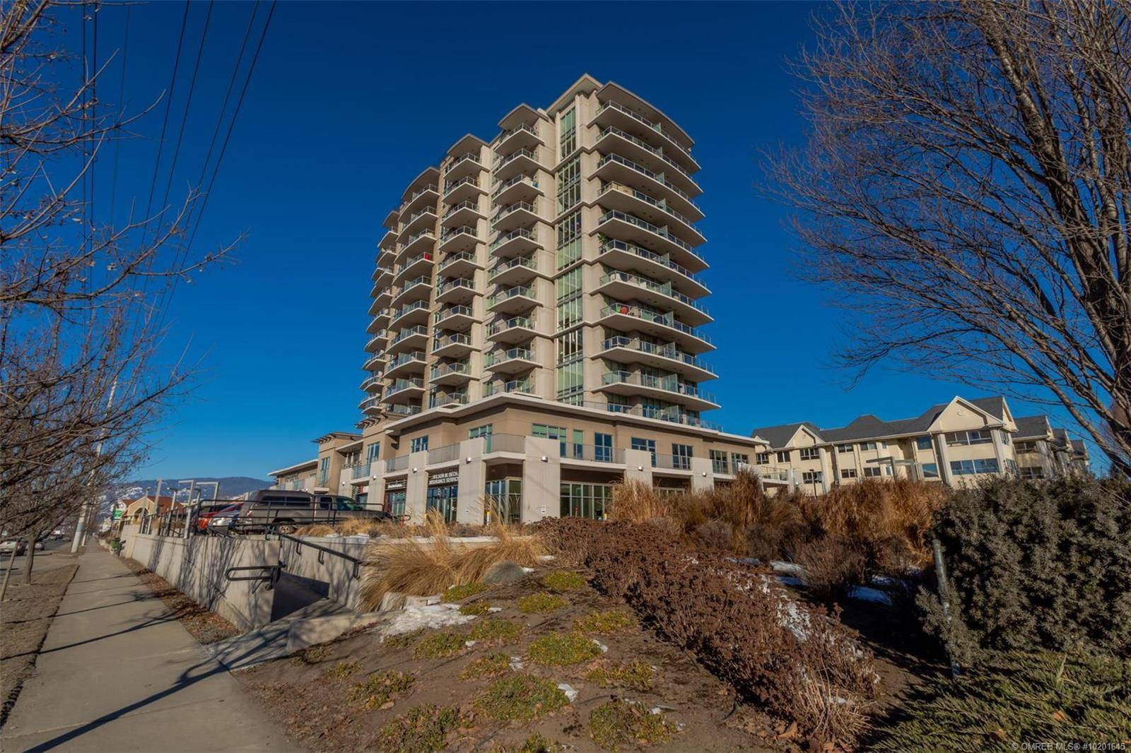 Residential property for sale at 2040 Springfield Rd Unit 202 Kelowna British Columbia - MLS: 10201645