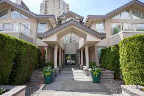 Condo for sale at 2202 Marine Dr Unit 202 West Vancouver British Columbia - MLS: R2462380