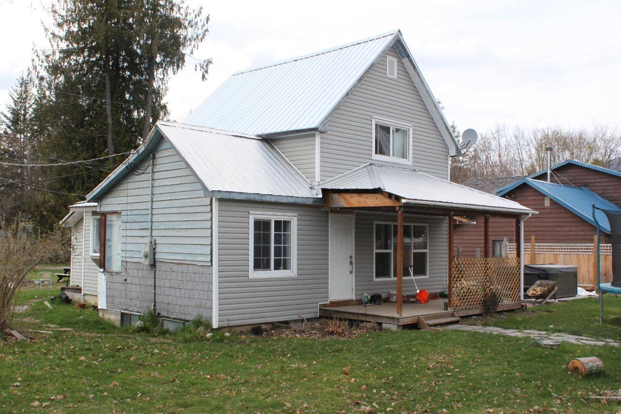 House for sale at 202 2nd Avenue  Nakusp British Columbia - MLS: 2451633