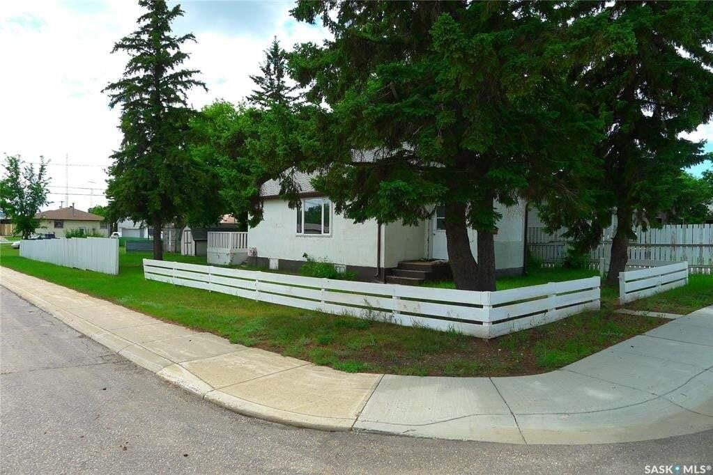 House for sale at 202 4th Ave W Biggar Saskatchewan - MLS: SK814482