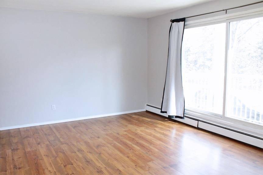 Condo for sale at 9120 106 Ave Nw Unit 202 Edmonton Alberta - MLS: E4194319