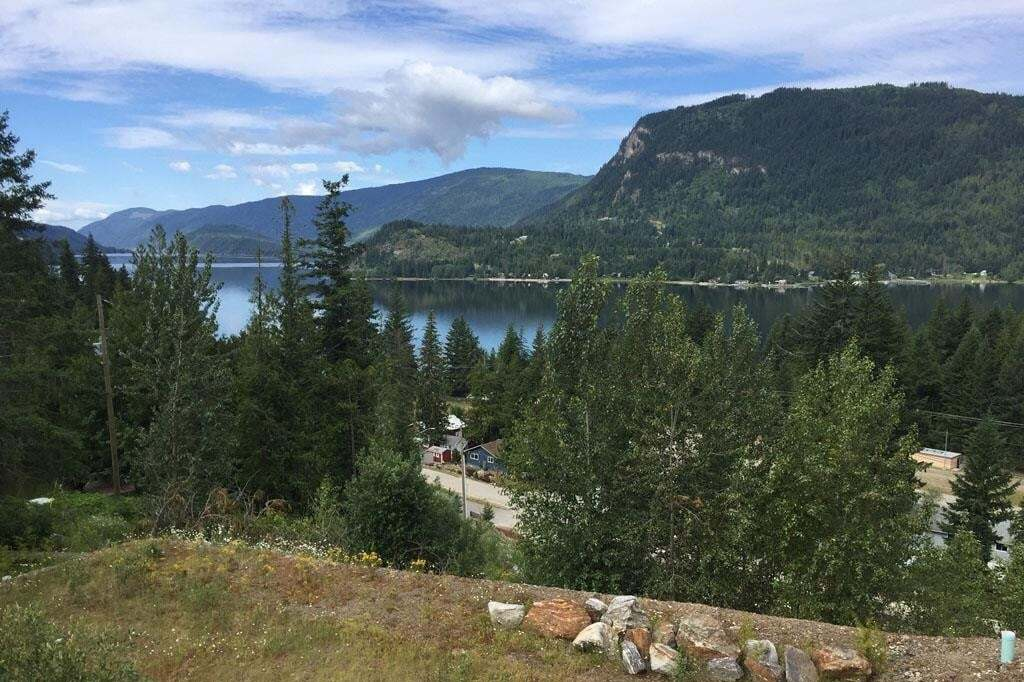 Home for sale at 202 Copperstone Ln Sicamous British Columbia - MLS: 10186293
