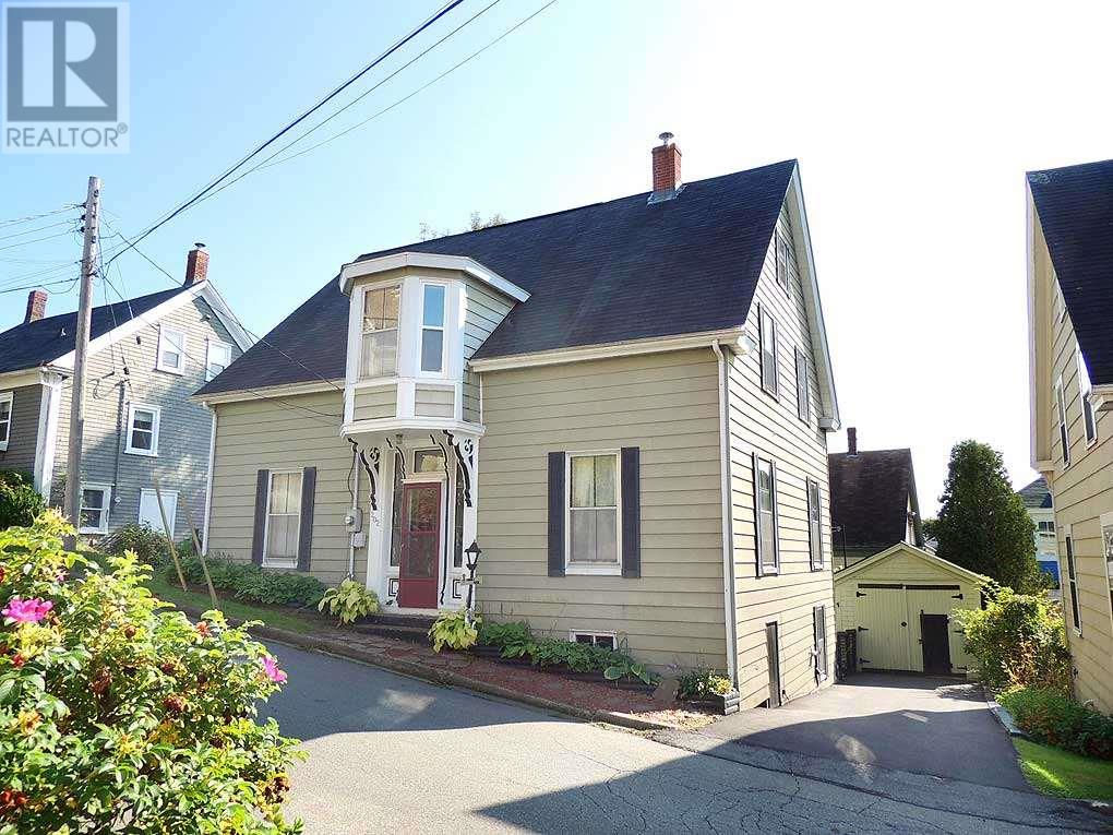 Removed: 202 Cumberland Street, Lunenburg, NS - Removed on 2018-11-07 04:33:19