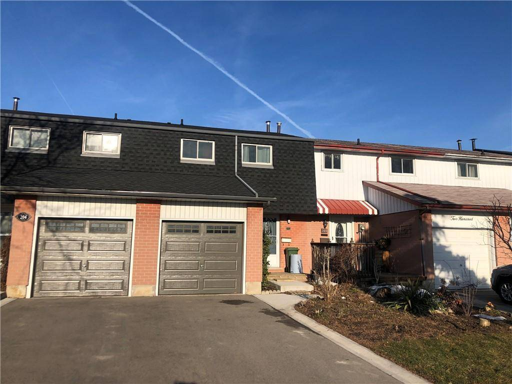 Townhouse for sale at 202 Golden Orchard Dr Hamilton Ontario - MLS: H4074887