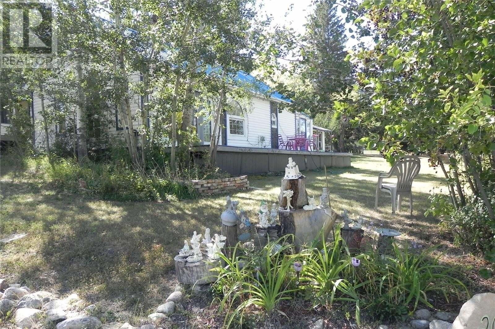House for sale at 202 Jean St E Manitou Beach Saskatchewan - MLS: SK824391