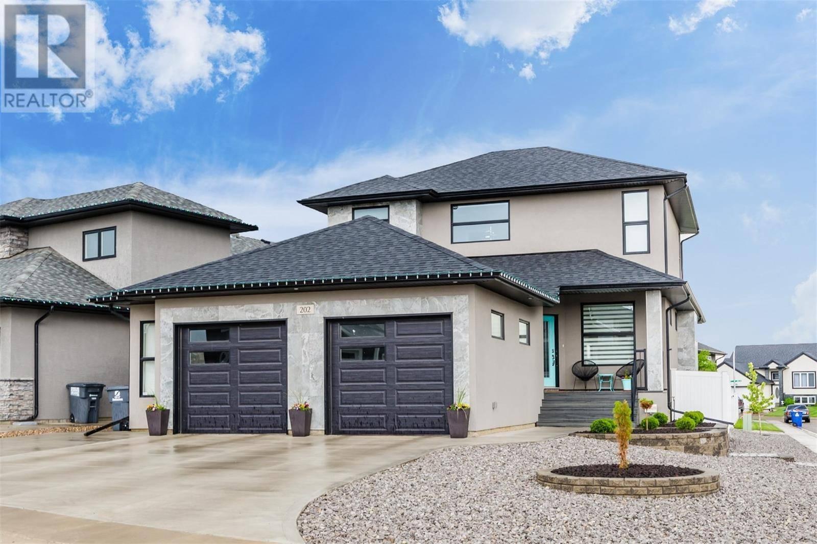 House for sale at 202 Mahabir Ct Saskatoon Saskatchewan - MLS: SK787326